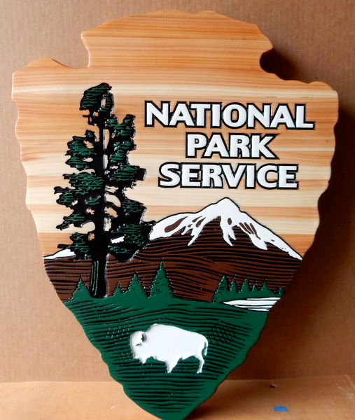 "U30429A - Carved 2.5D Cedar Wall Plaque of the ""Arrow"" Emblem for the National Park Service (NPS)"