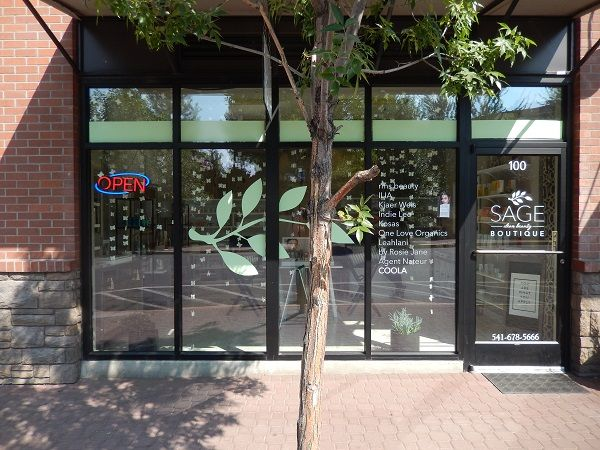 Vinyl window lettering Bend OR and Central OR