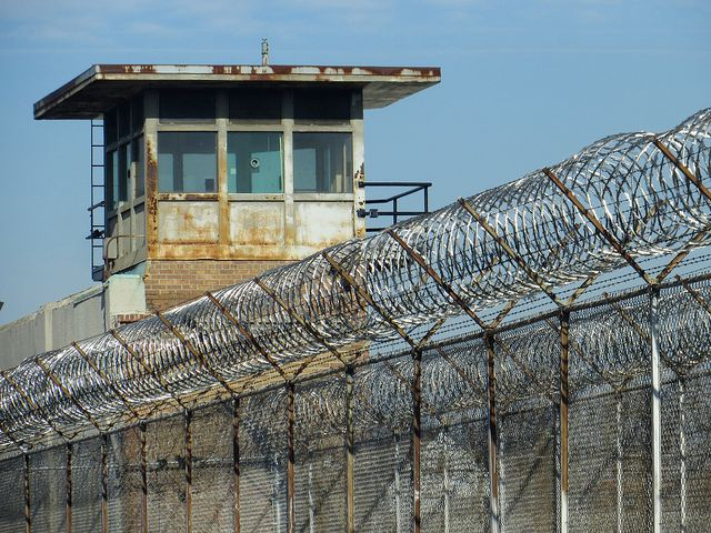 1st Illinois prison inmate dies of COVID-19, health officials say