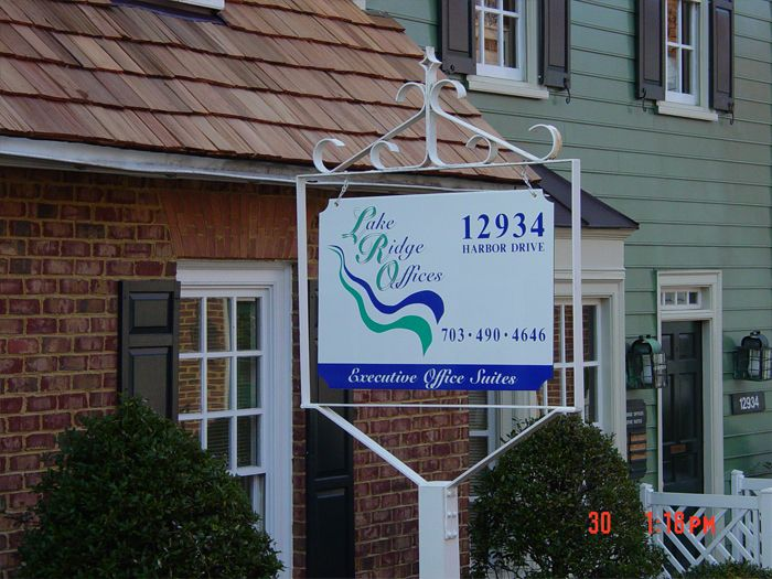 Lake Ridge Offices Sign