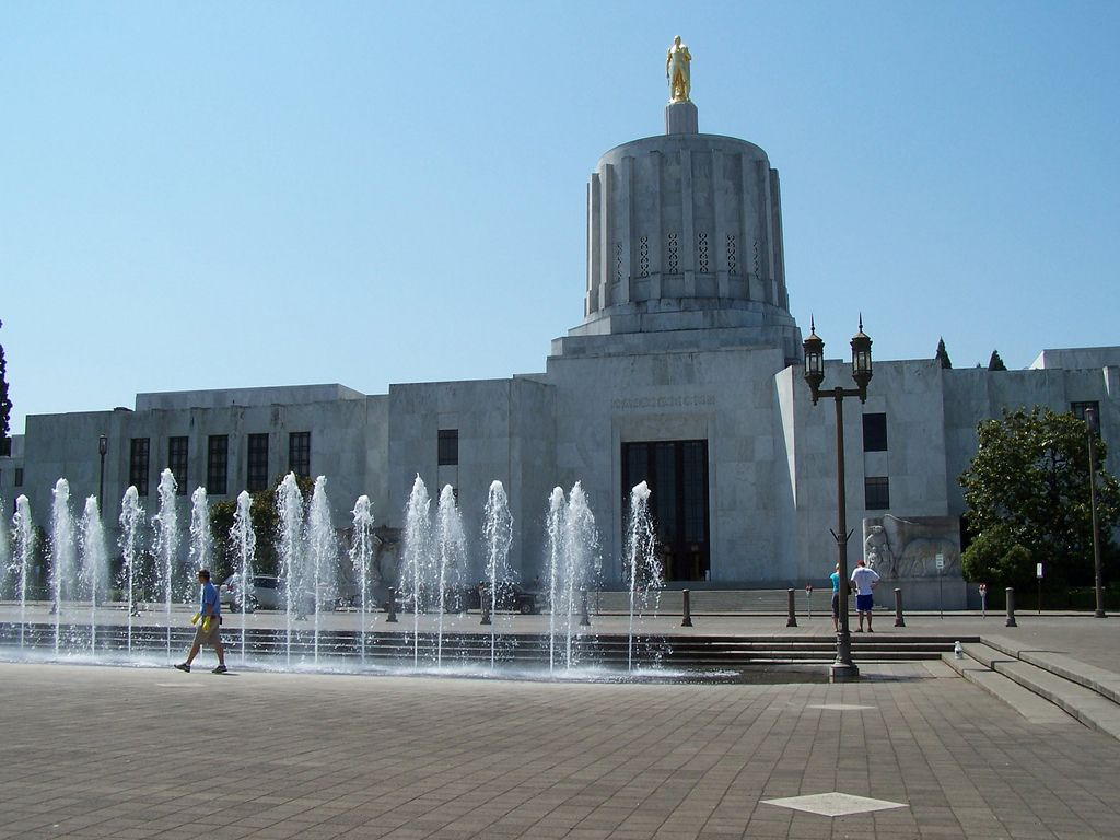 Local churches sue Oregon governor over COVID-19 orders blocking their services