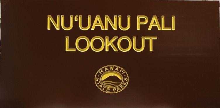 """G16233- Large V-Carved Engraved Cedar Wood  Sign for """"Nu'uana Pali Lookout"""", Hawaii State Parks"""