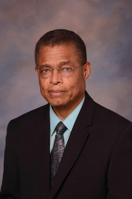 DR. HAROLD D. THOMPSON, CLASS OF 1972, RECEIVES EXCELLENCE IN TEACHING AWARD