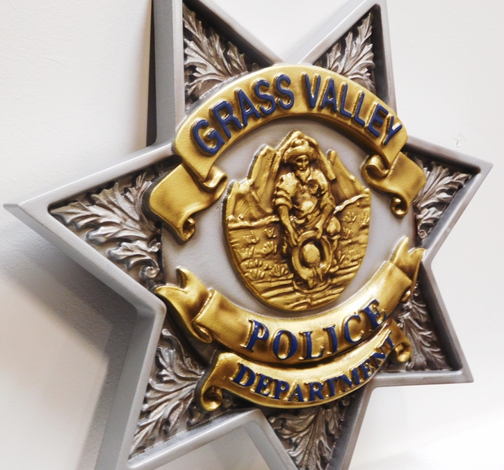 PP-1640 - Carved Plaque of the Star Badge of the Police Department of Grass Valley, California (Side View), 3-D Artist-Painted