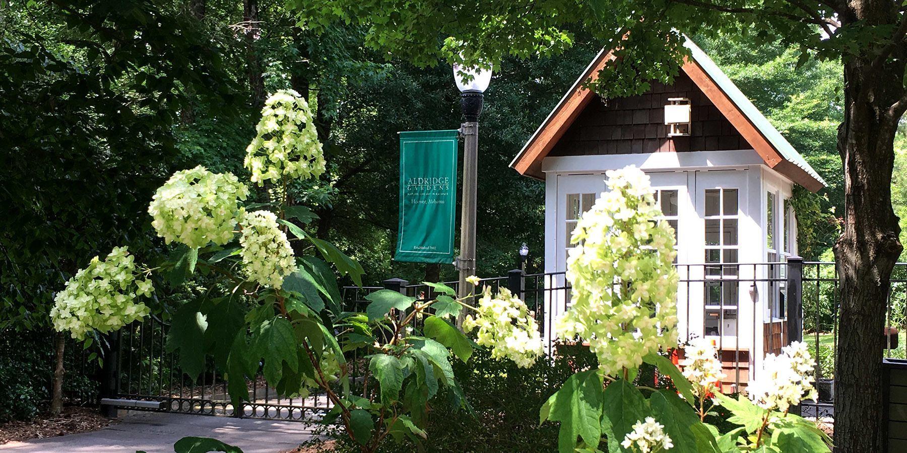 Prom Photos at Aldridge Gardens