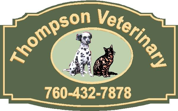 BB11760 – Carved Veterinarian HDU Sign with Dog and Cat