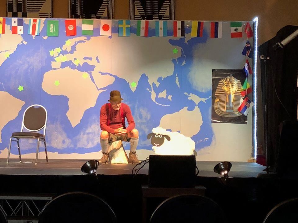 Follywood Goes Around the World 2018