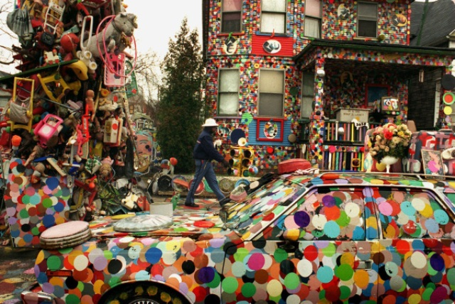 Dotty Wotty Mobile, 1995