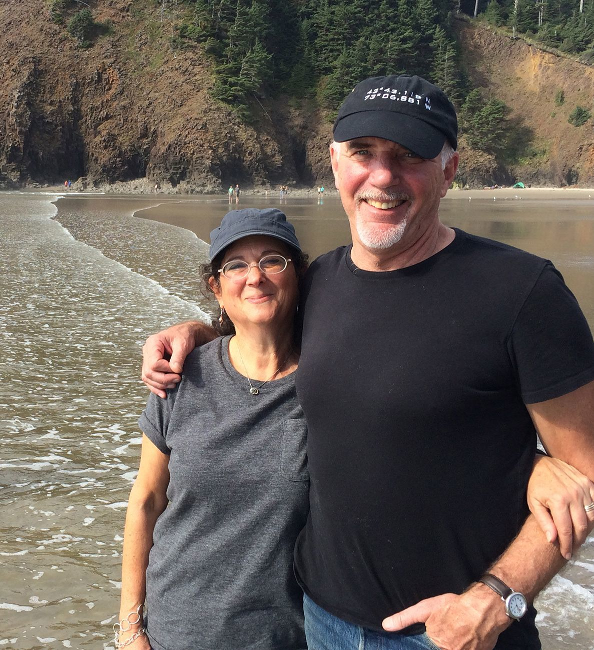 Phil Smart & wife Claudia at the beach