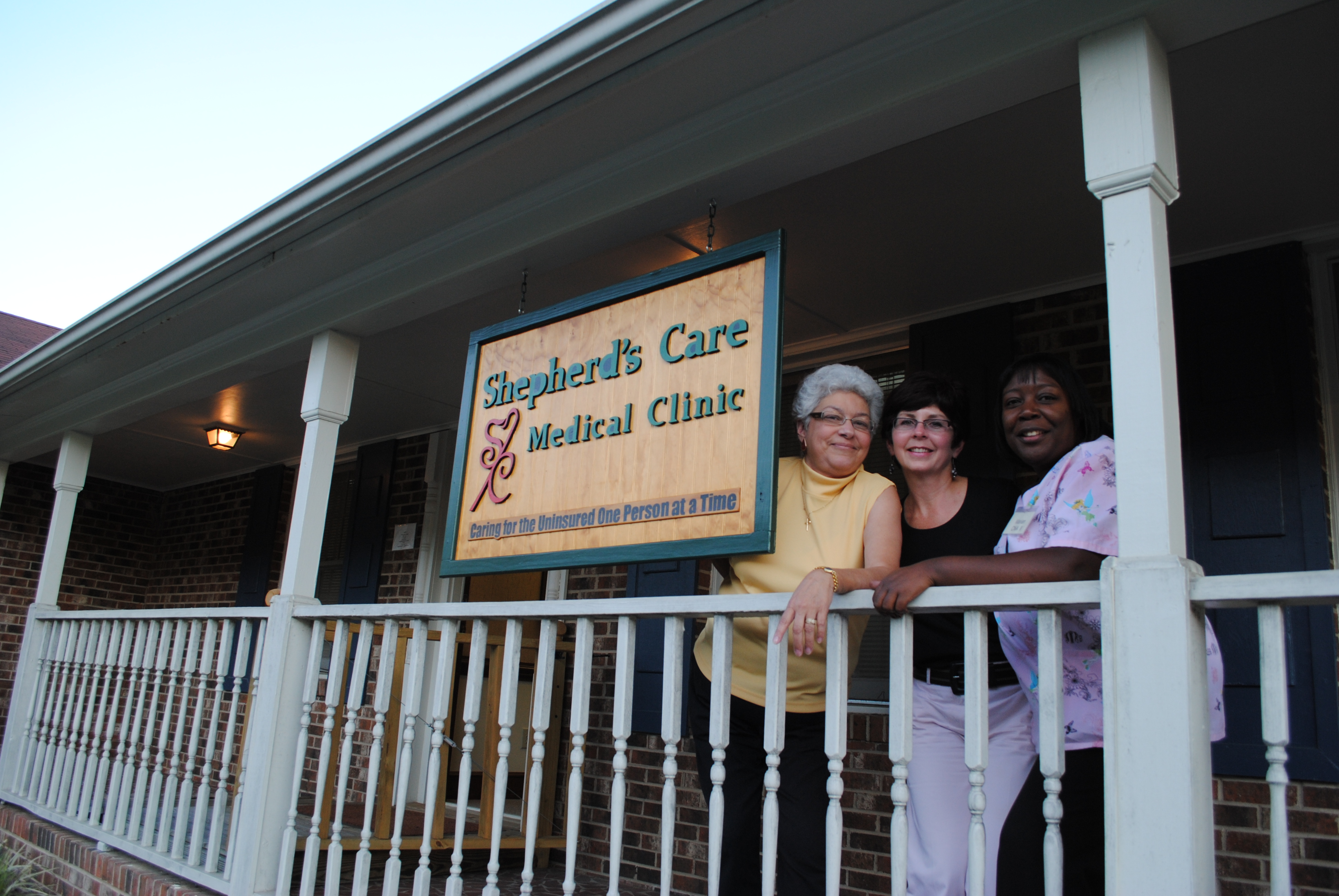 What is a free clinic?