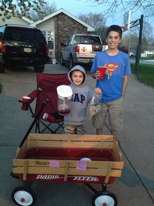 The first lemonade stand of the season!! Thank you for your support!!