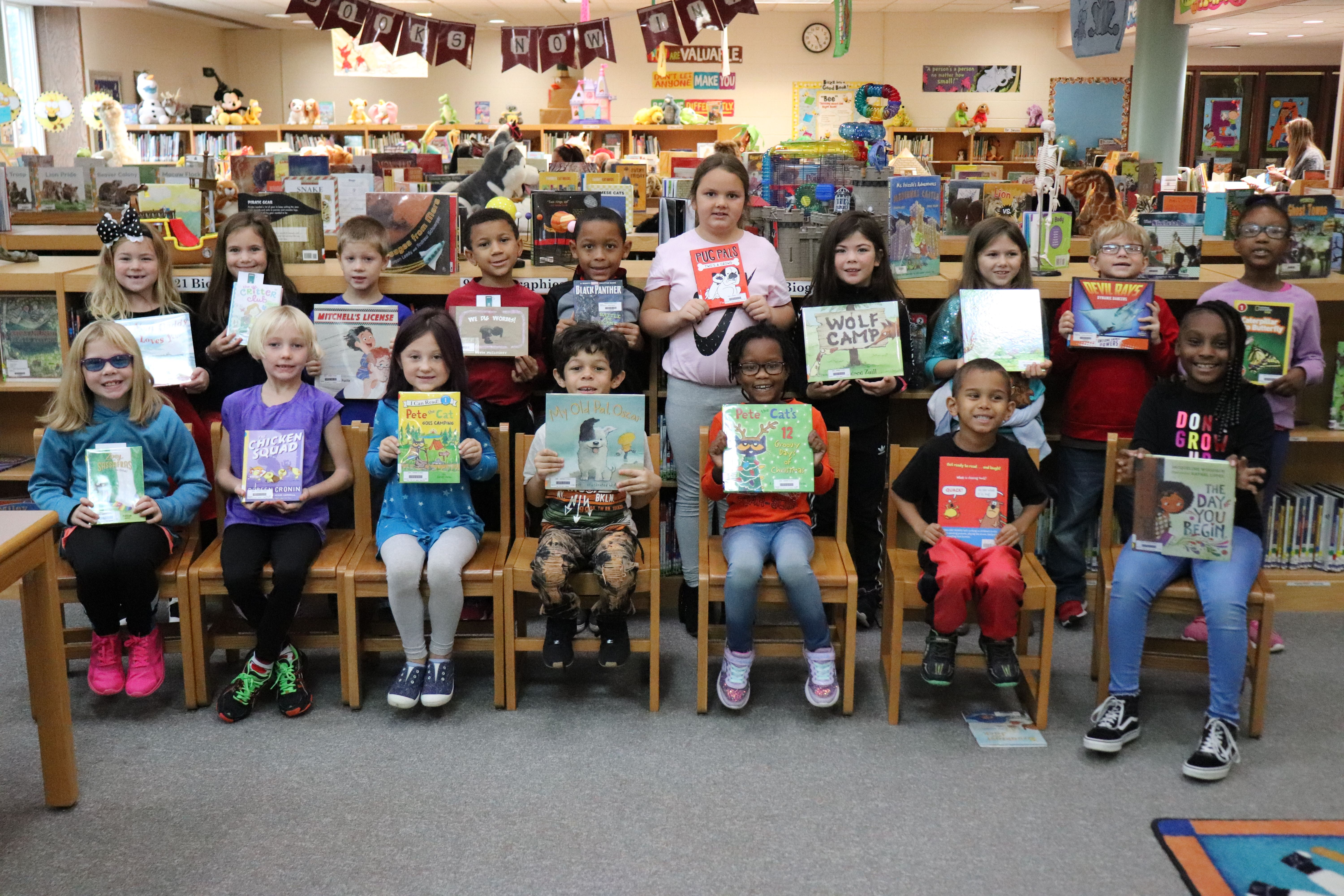 WASDEF Awards 122 Books to Students, Elementary Libraries