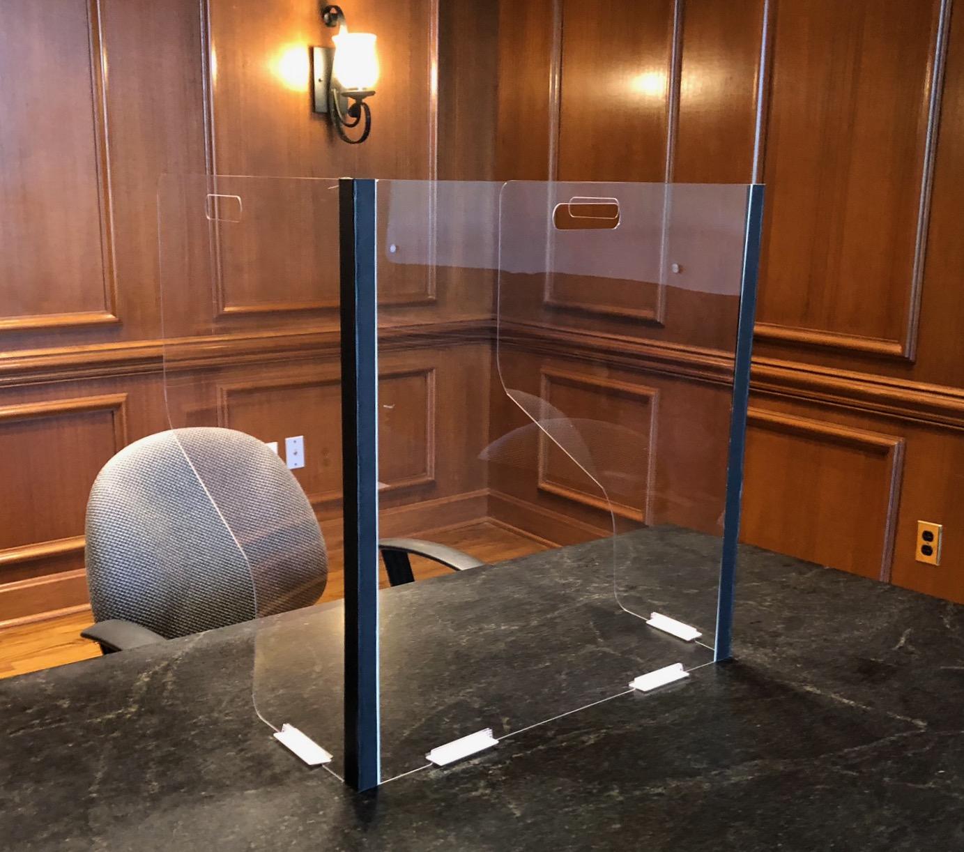"22""w x 17.5""h x 15""d Portable Desk Shield"