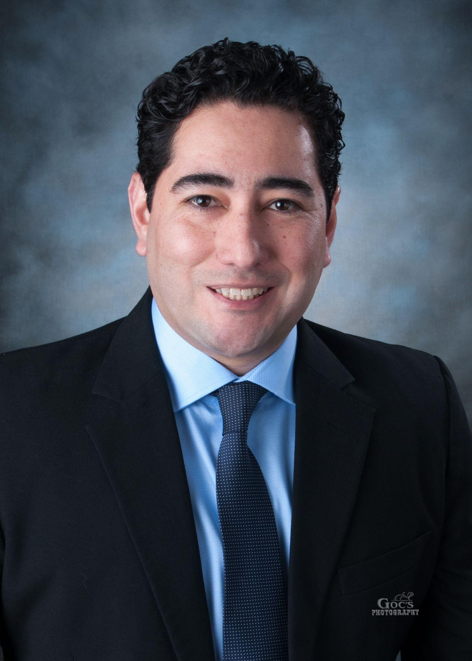 Dr. David Aviles