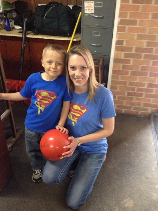 Sporting their Sammy shirts at the bowling alley! Thank you Nipp family!