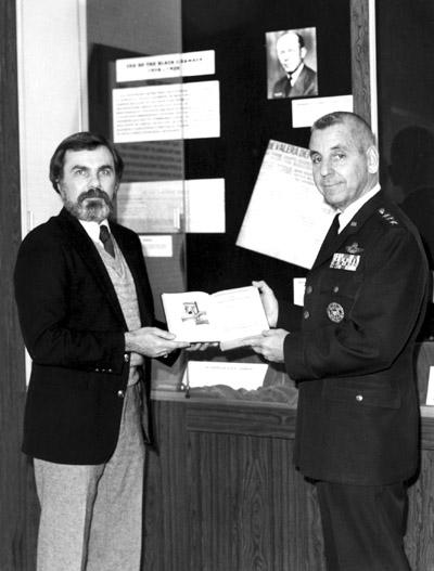 1982 - Curator Jerry Coates & DIRNSA Lt. Gen Linc Faurer