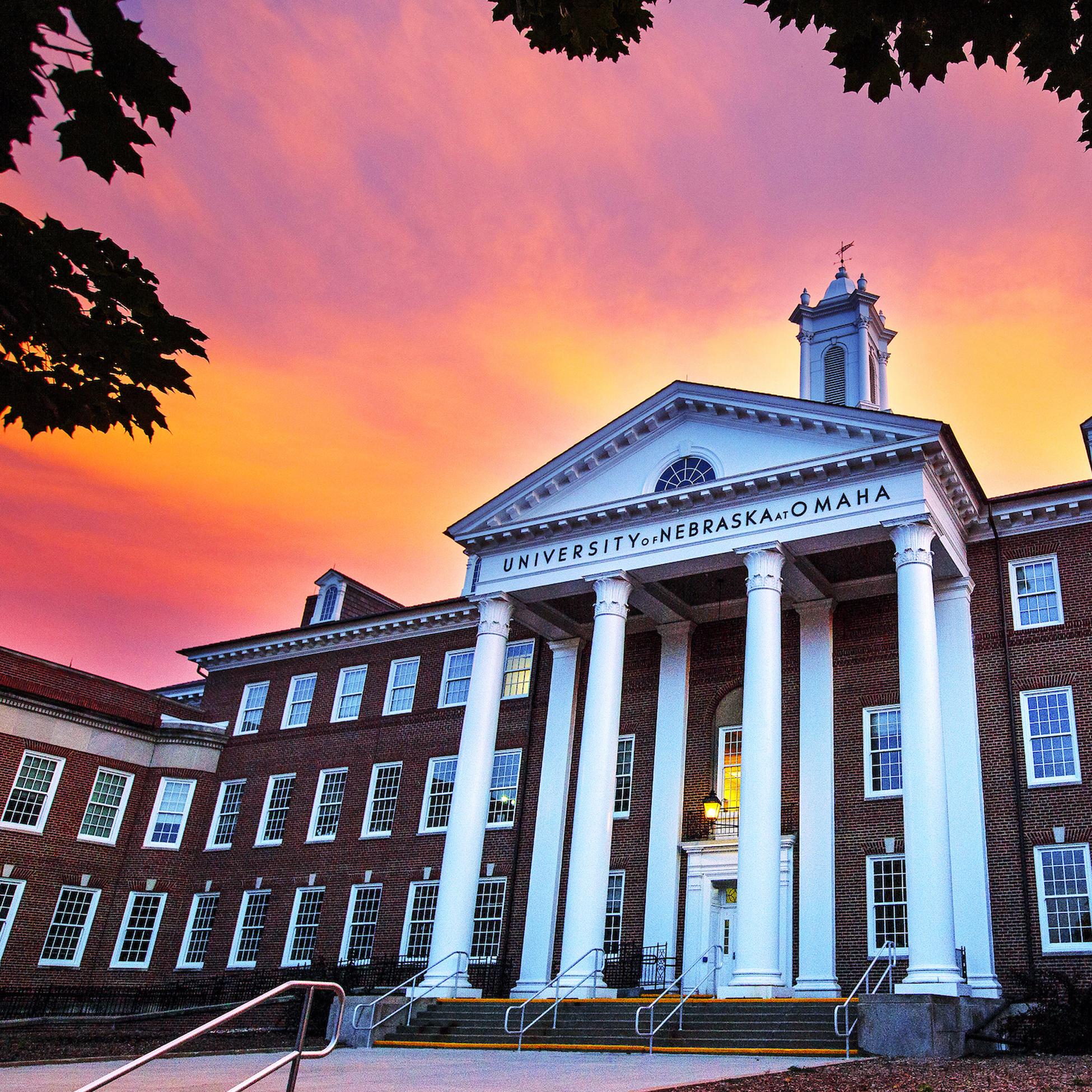 UNO Arts & Science Hall Deadline: Sept. 21