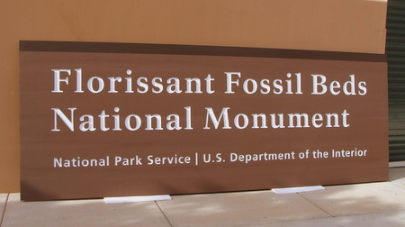 G16006 - Carved Cedar Florrisant Fossil Beds  National Monument Sign