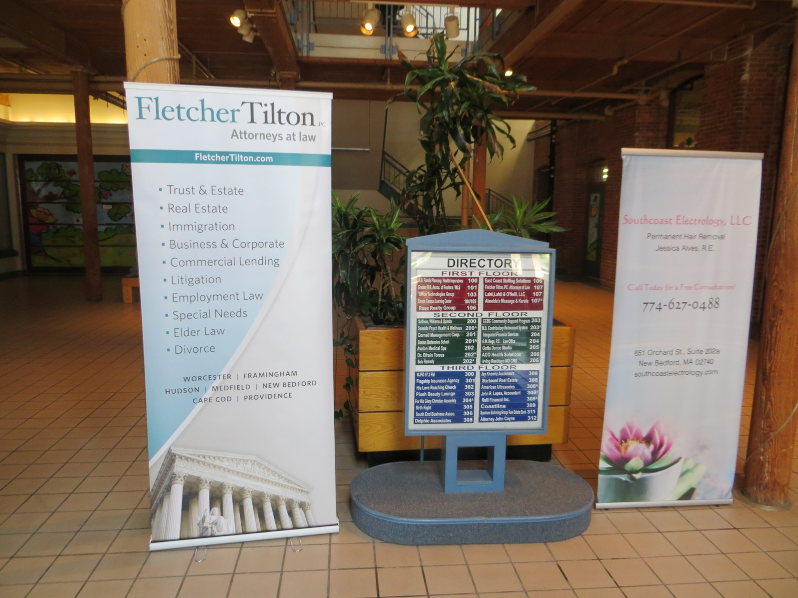 Retractable/Pull-Up Banners