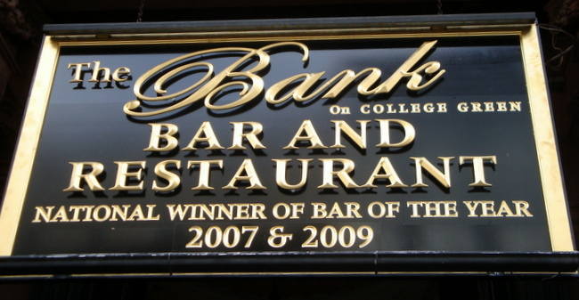 Y27659  - Upscale English-Style Bar and Restaurant Sign with Cutout Standoff Gold Letters