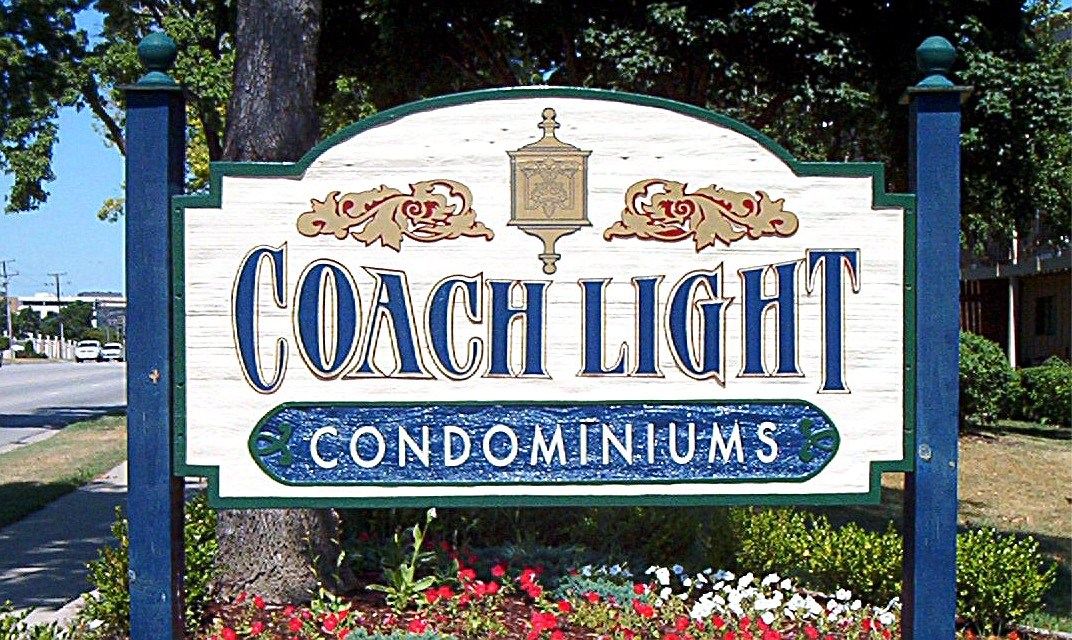Coach Light 9