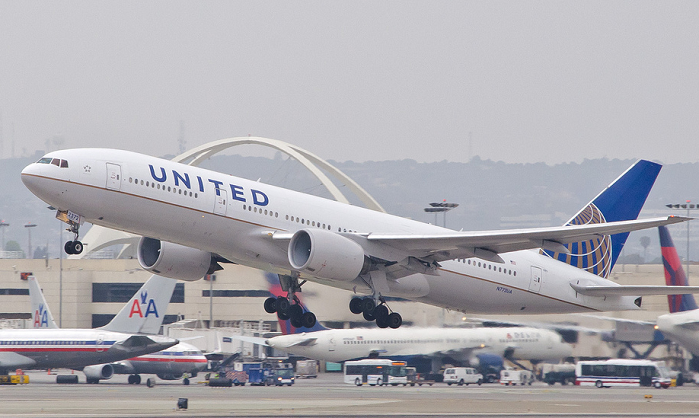 Attorneys Tell United Airlines It Can't Force Christian Employees to Get Vaccine or Lose Their Job