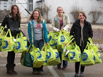Girl Scouts Help Homeless Children