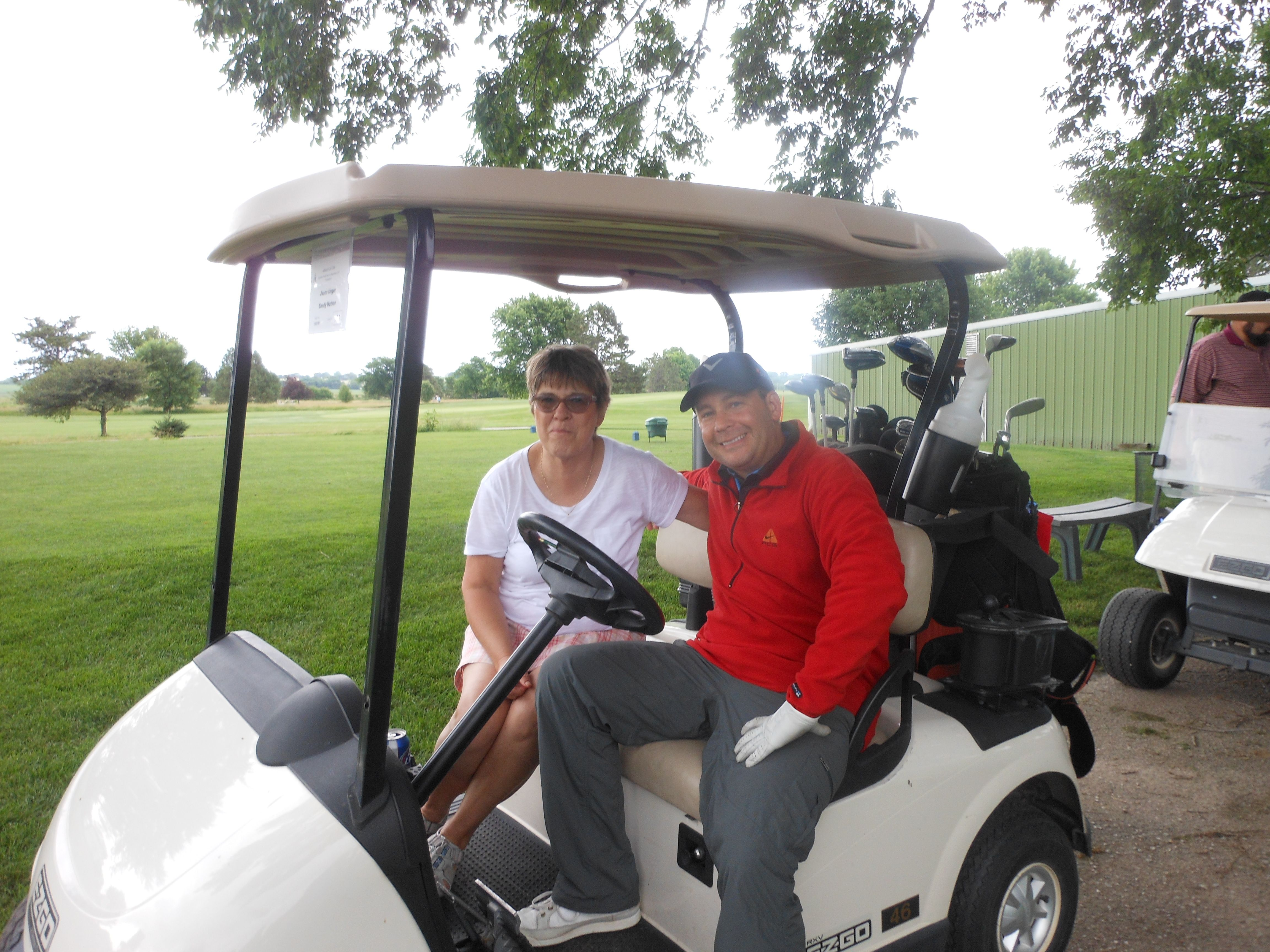 Join us to golf and raise scholarship funds!