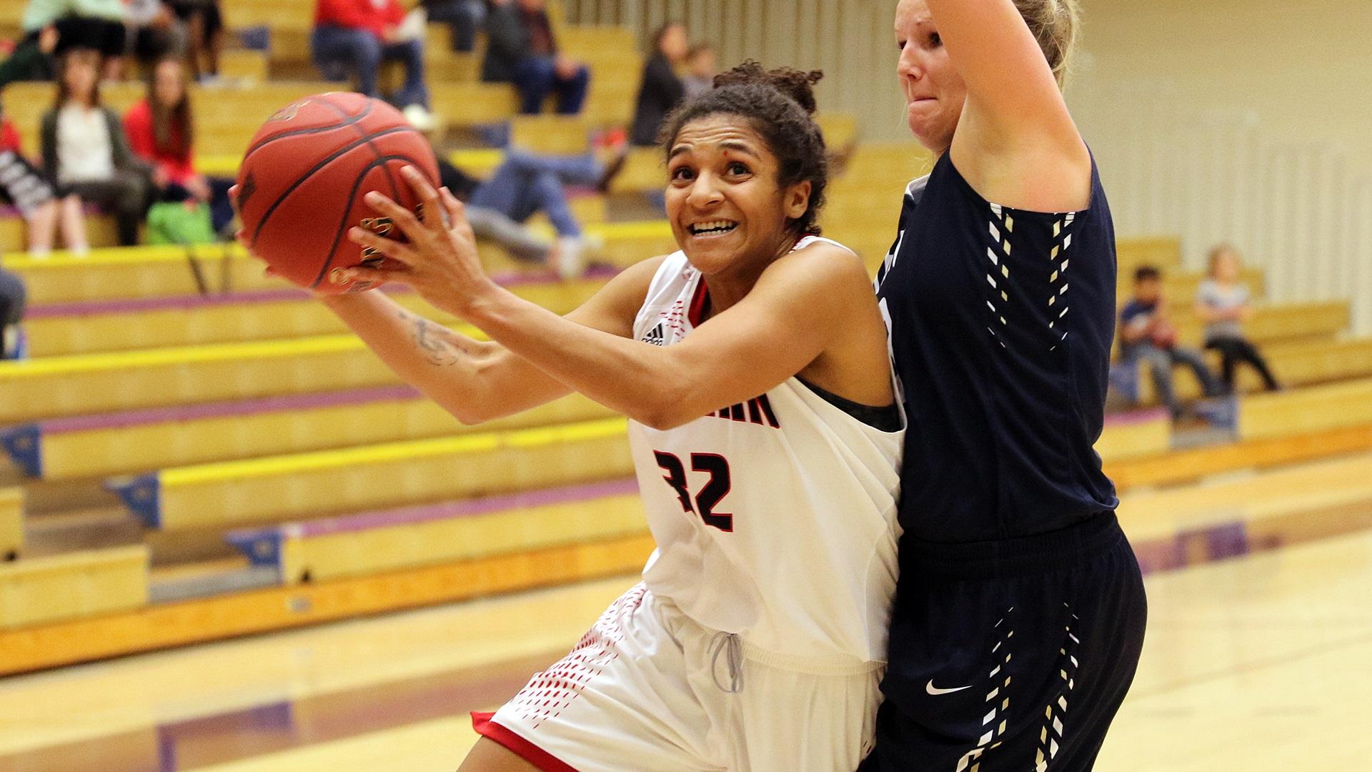Womens Basketball vs Lewis & Clark College