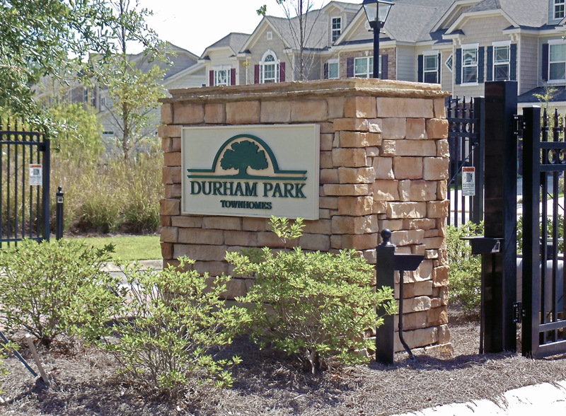 Dunham Gate