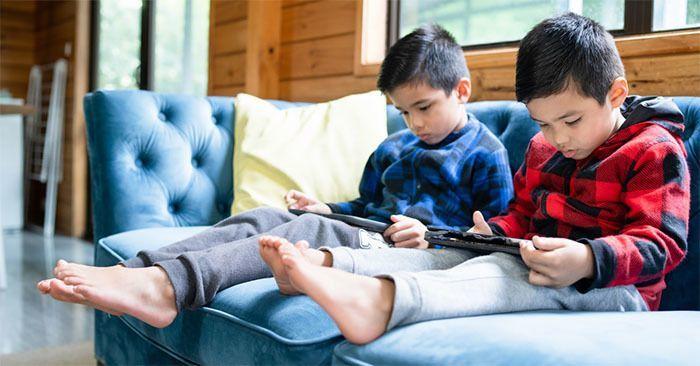Ayuda! Mis Hijos Están Hipnotizados por La Tecnología y Los Medios Sociales