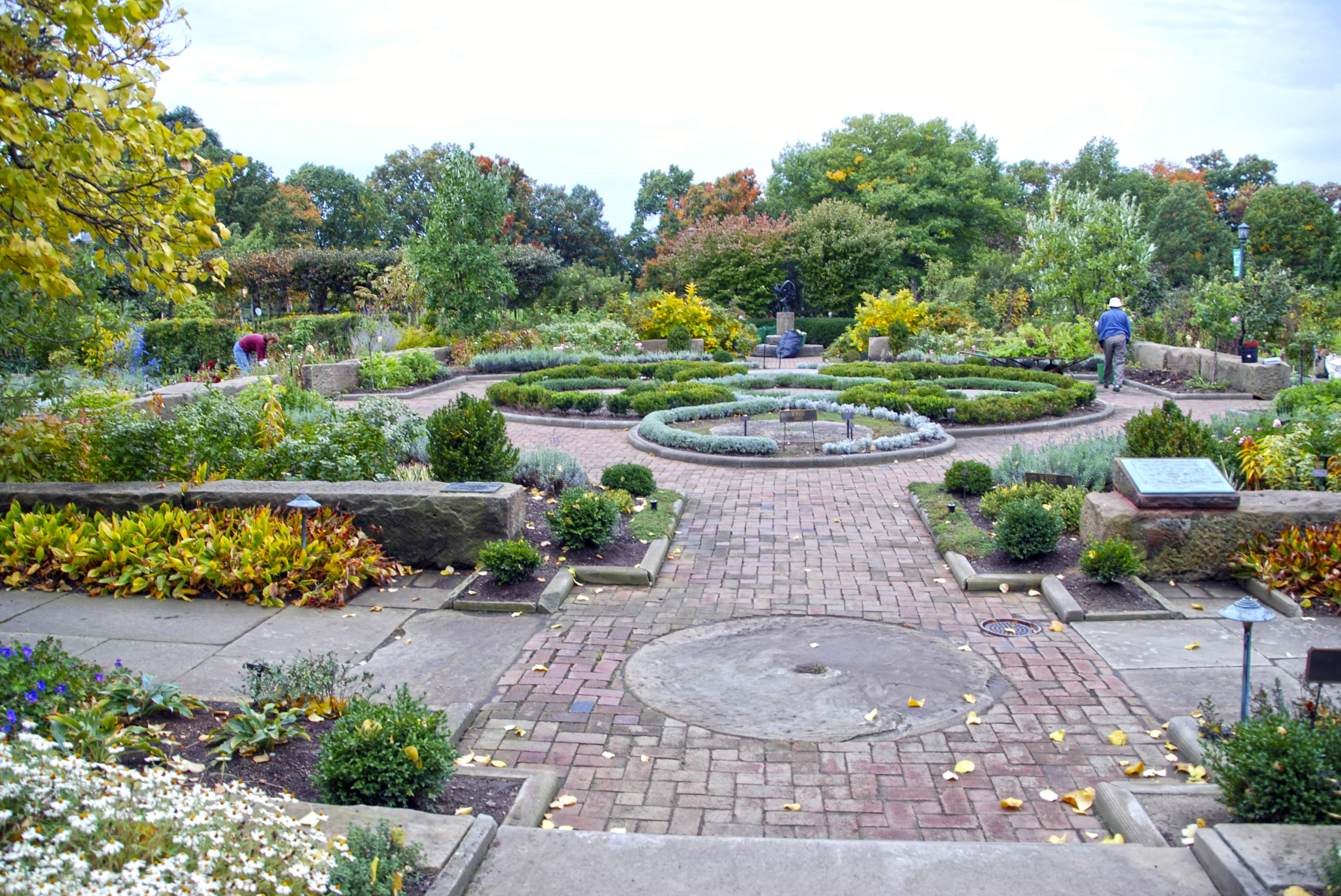 Knot and Fragrance Garden - November