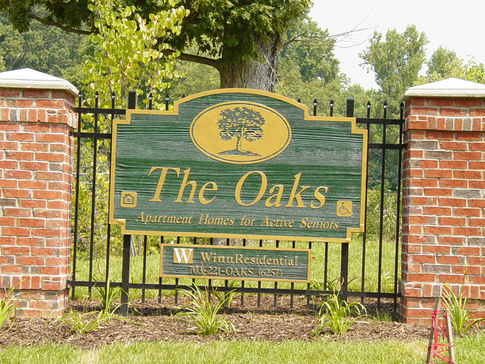 The Oaks Community Sign