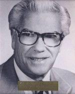 Utgaard, Dr. Merton