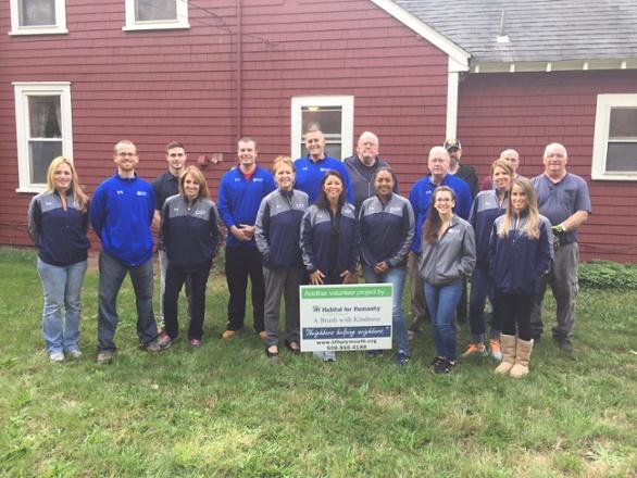 SHP Volunteers help Habitat