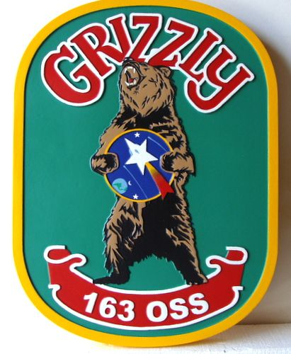 M22851- Grizzly Bear Club Carved Wood Wall Plaque