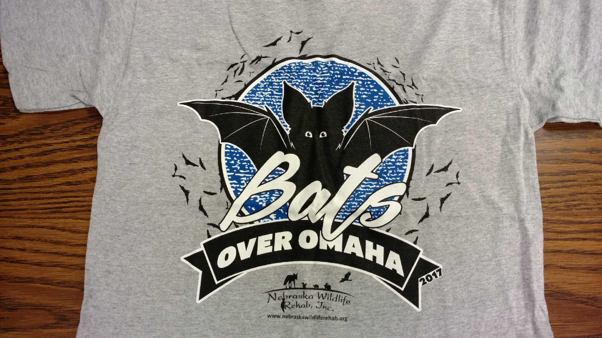 Bats Over Omaha Bat Release T-Shirt - 2017: Adult Large, Gray
