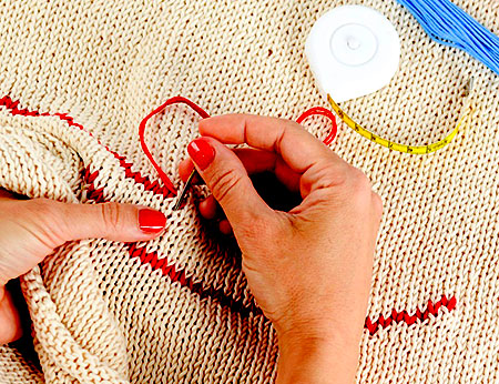 Beginning Embroidery - Creating a Flower Sachet with Karen Taylor