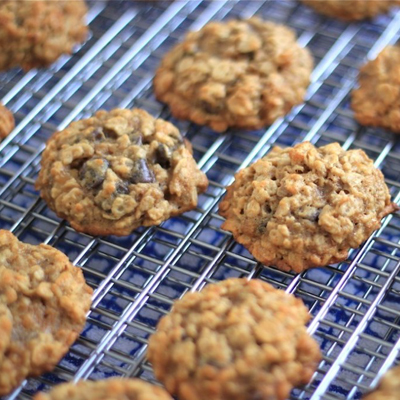 Healthy Peanut Butter Banana Oatmeal Cookies