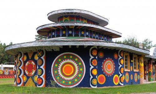 Rear pagoda structure