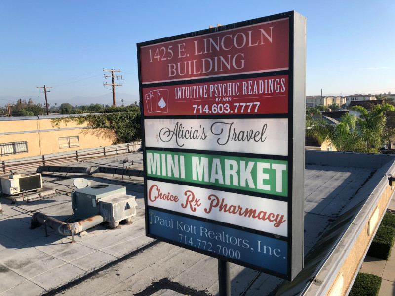 Pylon Signs for Shopping Centers Anaheim CA