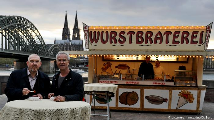 From bratwurst to insect burgers: Snack bar culture in Germany