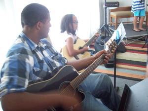 Music Classes Begin at Bridgehampton campus: Beginner Group Guitar (Ages 12-16)
