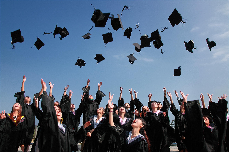 Diplomas & Graduation Supplies
