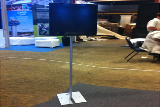 """32"""" TV With Pedestal"""