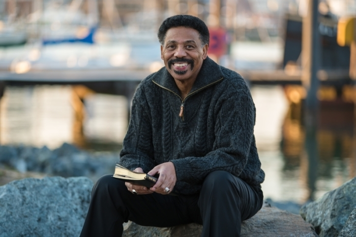 Tony Evans warns Satan attacking biblical manhood; society on 'precipice' of disaster