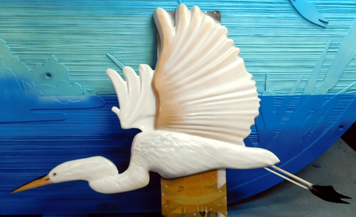 M22750 - 3-D Bas-Relief Carving of a Crane in Flight