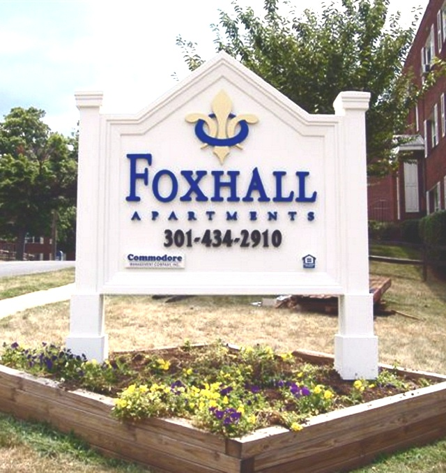 K20043  -  Entrance Sign for Foxhall Apartments, with Two Posts, Top arch,  and Fleur-de-Lis