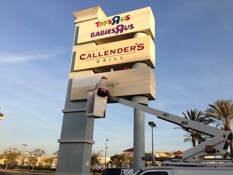 Pylon Sign Neutralization and Vacant Tenant Replacement Orange County