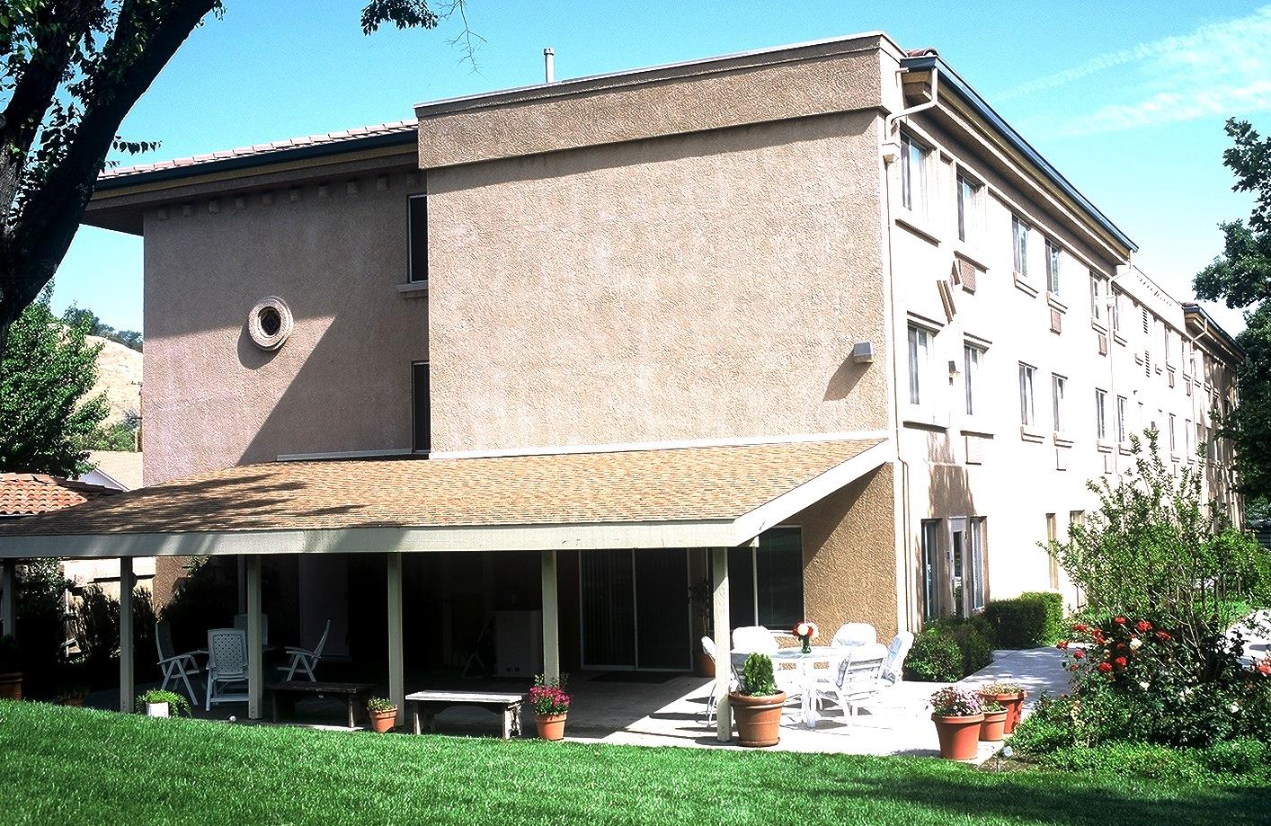 Los Robles Terrace